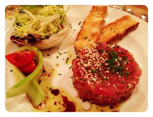 starter: tuna tartar at Assaggi
