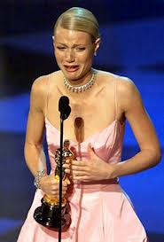 Gwyneth tears at the Oscars (2010)
