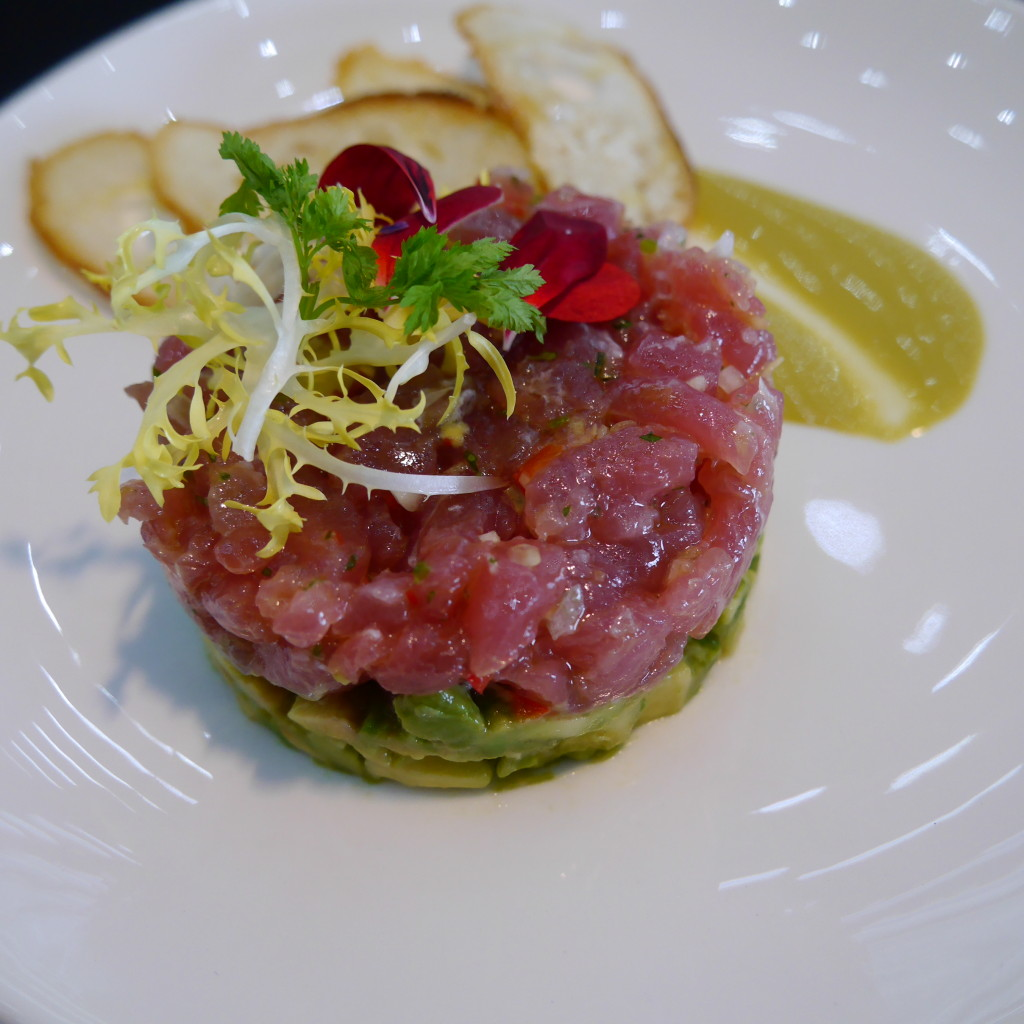 tuna tartare with