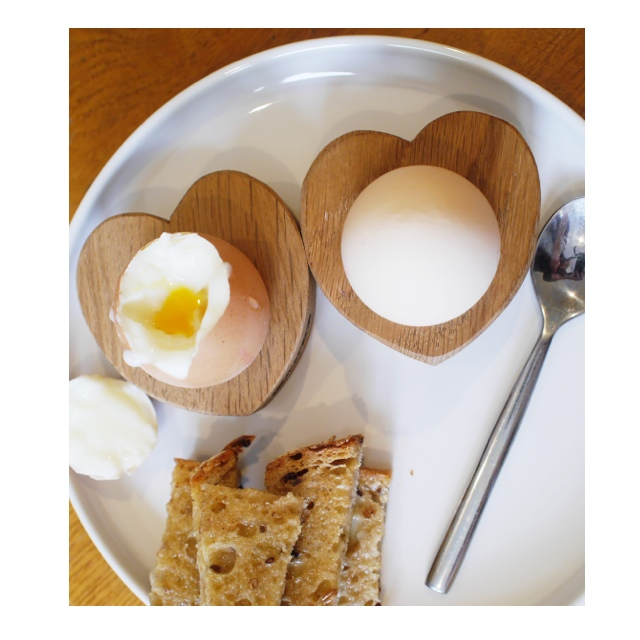 solid oak heart egg cups. soldiers have never been so lovely.