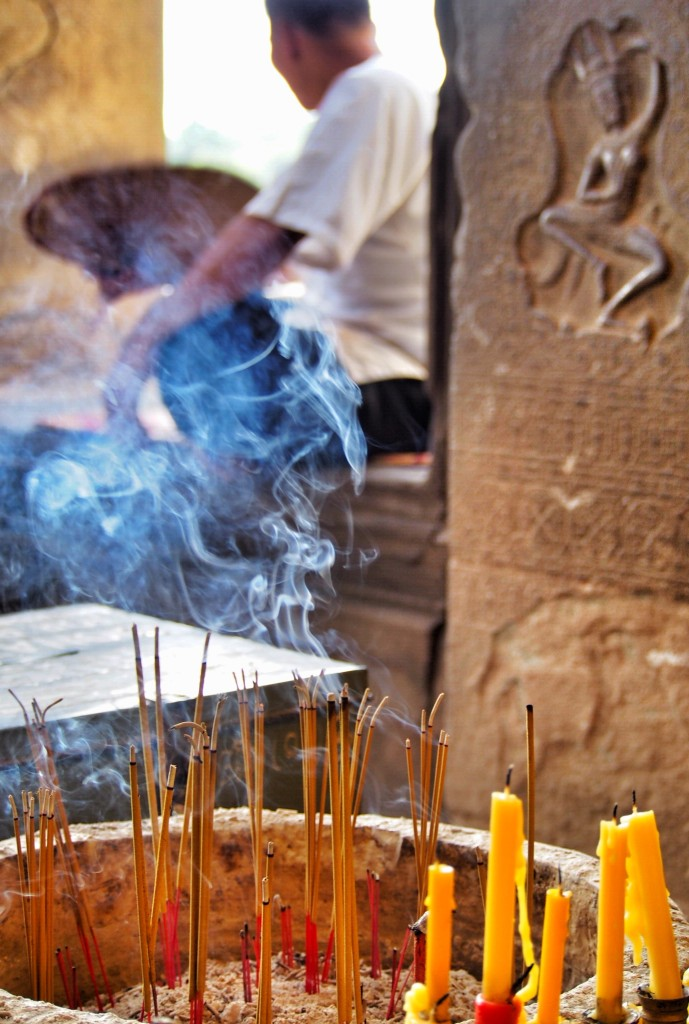 incense burning in Angkor Wat